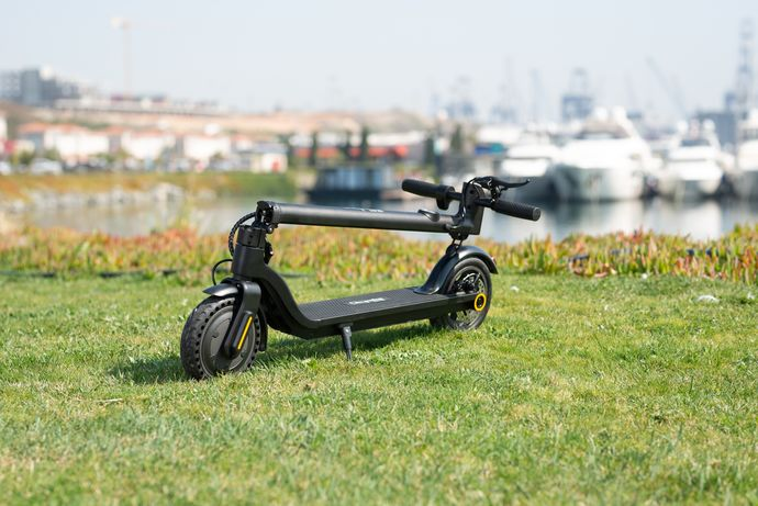 Citymate Gold 350Watt Elektrikli Scooter 8.5 inch Teker Bluetooth Siyah