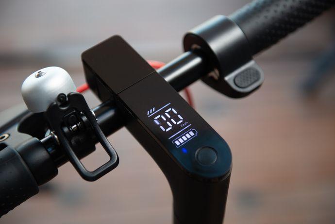 Citymate Plus 250Watt Elektrikli Scooter 8.5 inch Teker Bluetooth Beyaz